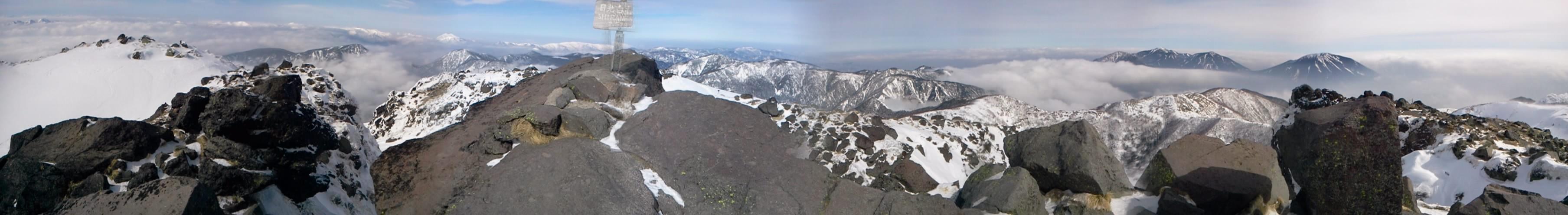 -------- 元のメッセージ --------件名: 日光白根山From: Sato <ai@yamanba.net>To: ai@yamanba.netCc: 2011/2/6 丸沼高原スキー場からゴンドラを利用して、奥白根山に、行ってきました。天候も良く、トレースもしっかりあり、予定通りの山行でした。山頂は風が強く立っているのもやっとでした。by ゲストさん
