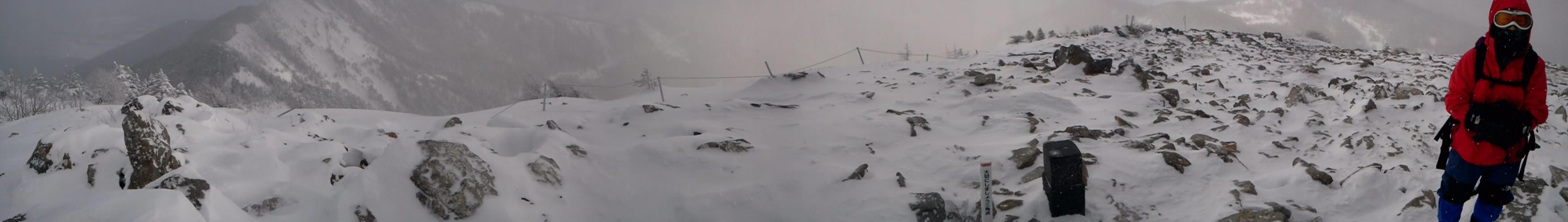 2011/1/30 浅間山近くの東篭ノ登山へスノーシューハイク。by ゲストさん
