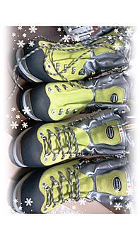 ザンバラン エクスパートプロGTこれもバンビロ足形型で、余裕があります。しかしナントイッテモ暖かいのが気に入っています。ワンタッチアイゼン対応もいいですね。by ゲストさん 600x1024(442KB)