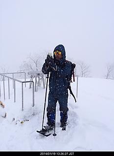 雪が降ったり止んだり山頂は風も強く、低い山だけどなかなか手応えがある登山でした。by ゲストさん 466x640(89KB)