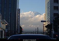 ムクモク 雲に隠れそう 夕方の富士山by ゲストさん 640x446(92KB)