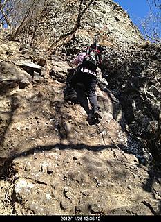 11/15天気良かったです。岩場はスリルありました。鎖場が沢山でとてもデンジャラスです。by yamanba 466x640(590KB)