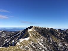 12月31日、風が強く寒かったのですが、天気良く剣山が綺麗に見え最高の登山日和でした。by ゲストさん 640x480(117KB)