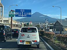 朝7:15 快晴 気温29。綺麗な富士山が見れました。by yamanba 640x480(134KB)