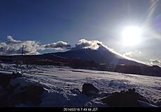 静岡から山梨の県道139号線県境雪で山梨へ行けません。山梨は陸の孤島と化しました。山行けないよ。by ゲストさん 640x446(91KB)