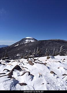 北八ヶ岳の二子山山頂誰も居ません。展望は360度快晴です。by ゲストさん 466x640(128KB)