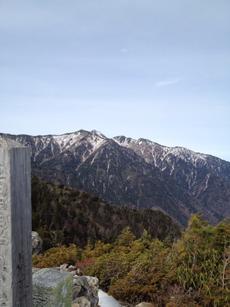 信州松川にある烏帽子ガ岳中央アルプス南部、越百岳が見えます。by  kazuo 480x640(120KB)