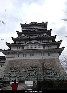 勝山城博物館になっています。本物ではないが、立派ですね。バブル期に個人が建てたそうです。どんだけお金持ってんねん。by ゲストさん 466x640(112KB)