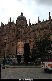 スペインのサラマンカ大聖堂はデカイ街は小さいのだが、.....by ゲストさん 414x640(105KB)
