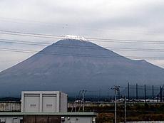 山頂は雪です。by ゲストさん 640x480(96KB)