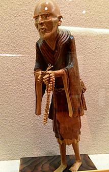 人間の命を吹き込まれた越前竹人形はまさに匠の技です。おじいさんの細部までこだわっていますね。by ゲストさん 404x640(103KB)