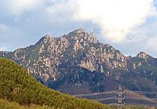 ボコボコの山だなーッテね。by ゲストさん 1195x825(210KB)