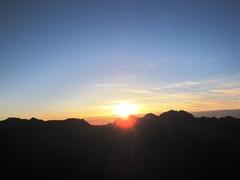 笠ヶ岳から穂高の朝日